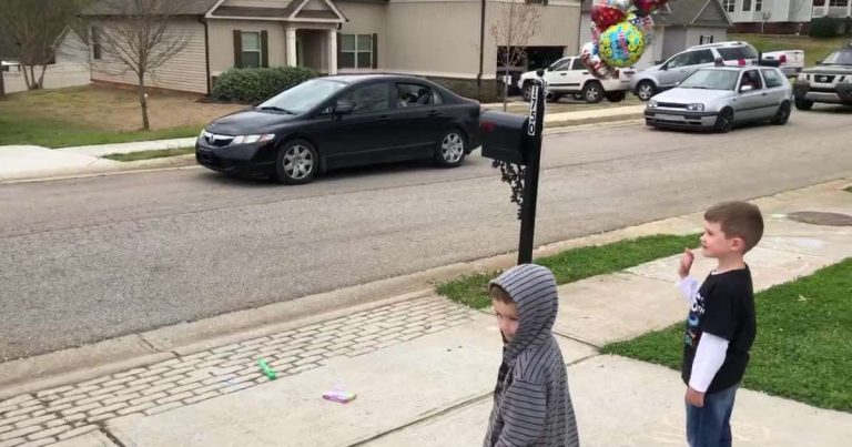 6 Years Old's Birthday Party Was Cancelled But Friends Stepped Up And Gave Him Birthday Parade