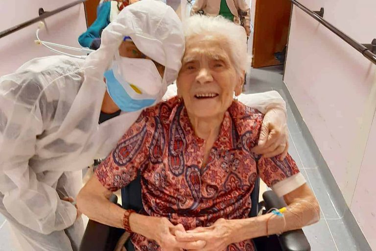 106-Year-Old Grand Maa Who Survived Spanish Flu, Now beats Covid-19