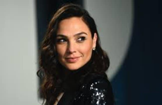 Gal Gadot Was In The Operating Room On Wonder Woman's Premiere Day